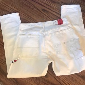 New Tommy 32/30 relaxed tapered off white jeans